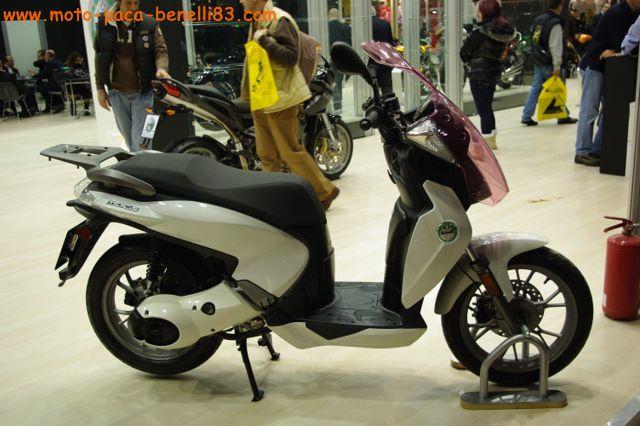 Nouveauté scooter et Stand Benelli au salon de Milan IMGP2387%20%5B640x480%5D