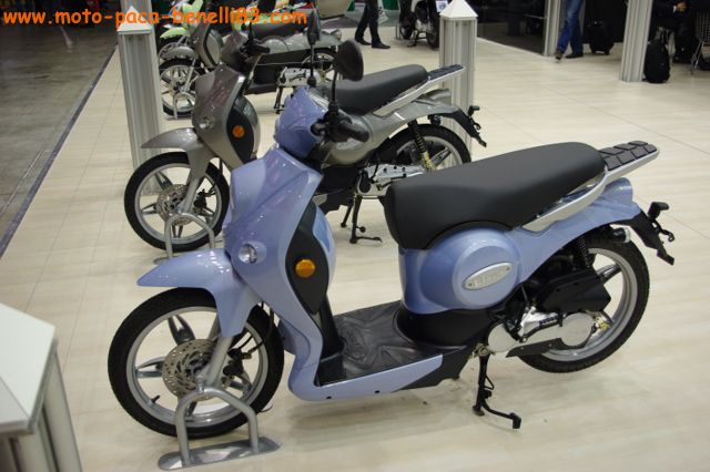 Nouveauté scooter et Stand Benelli au salon de Milan IMGP2409%20%5B640x480%5D