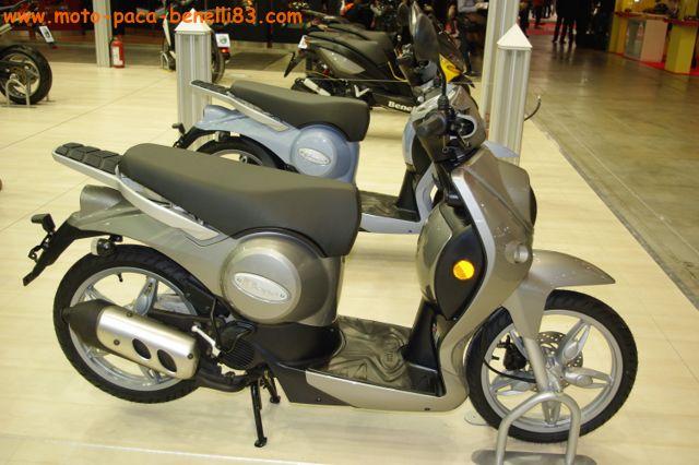 Nouveauté scooter et Stand Benelli au salon de Milan IMGP2410%20%5B640x480%5D