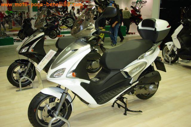 Nouveauté scooter et Stand Benelli au salon de Milan IMGP2411%20%5B640x480%5D